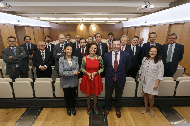Encuentro con la consejera de Hacienda y AA.PP. de la Junta de Andalucía