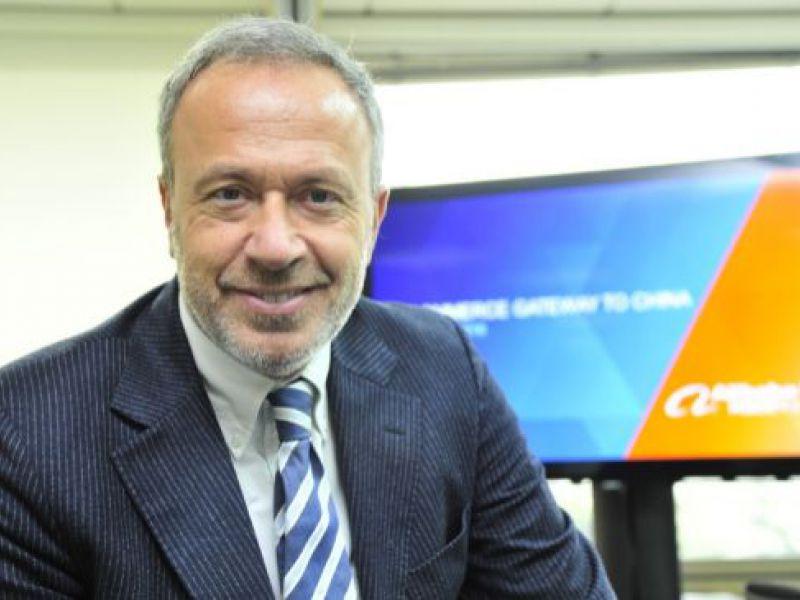 Encuentro privado con Ernesto Caccavale