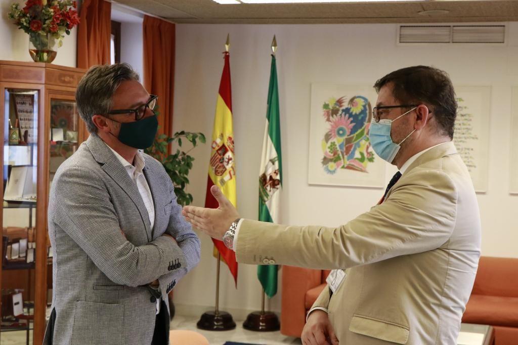 El vicepresidente ejecutivo de CESUR participa en el Parlamento, en la Comisión de estudio para la recuperación económica y social de Andalucía.