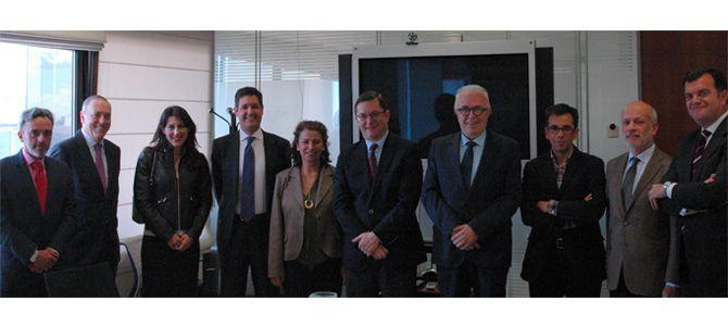 CESUR se reúne con el consejero de Empleo, Empresa y Comercio de la Junta de Andalucía