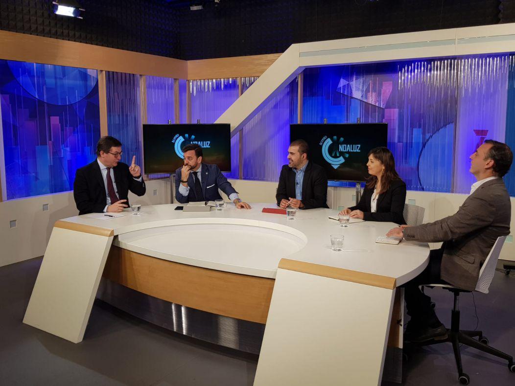 Fernando Seco participa en el debate político-económico en el que se anticipó a los resultados electorales