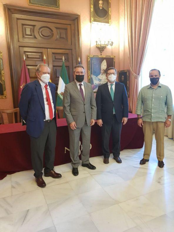 CESUR mantiene una reunión con el alcalde de Sevilla